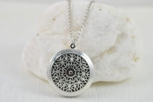 Designer Aromatherapy Diffuser Jewellery With Essential Oils